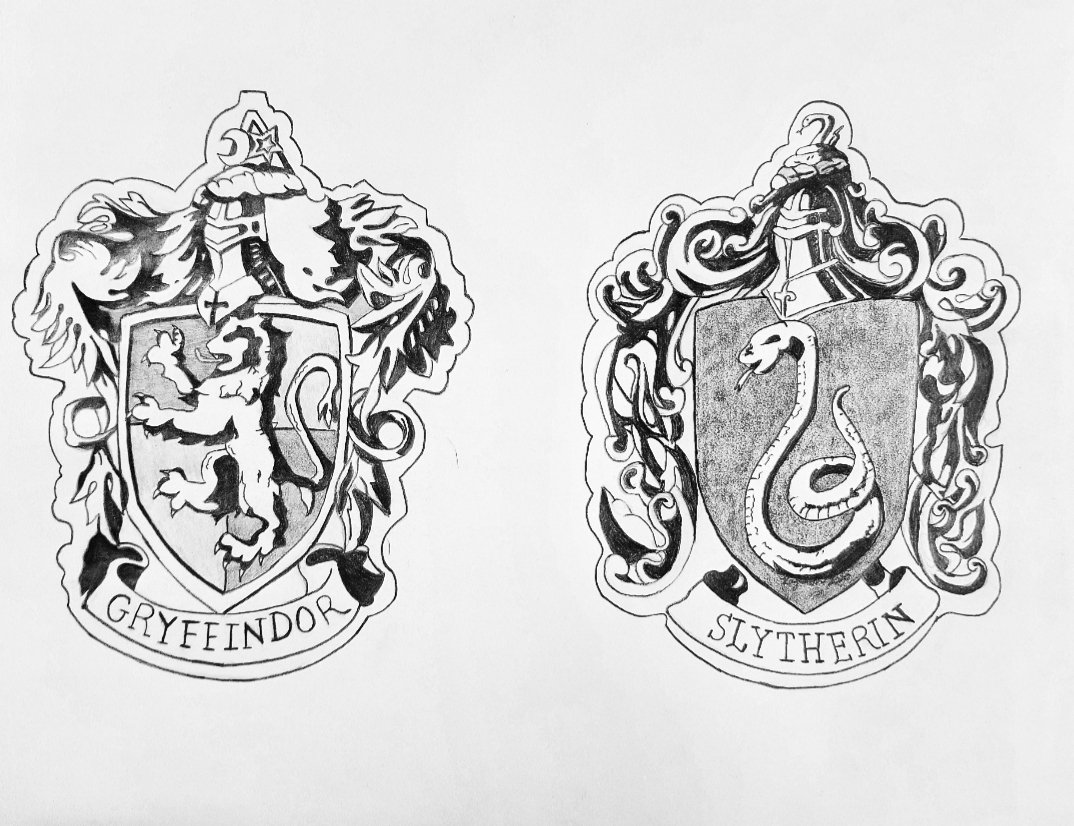 Hey #Potterheads 🥰 We have an awesome #giveaway for you! Win these amazing pieces made for #HarryPotter fans!  Rules: - Follow @LethalxMinx @KaylaKindaDraws and myself - RT not QRT - Like - Comment your favorite house! - Bonus points for tags!  Thank them for their hard work! 💖