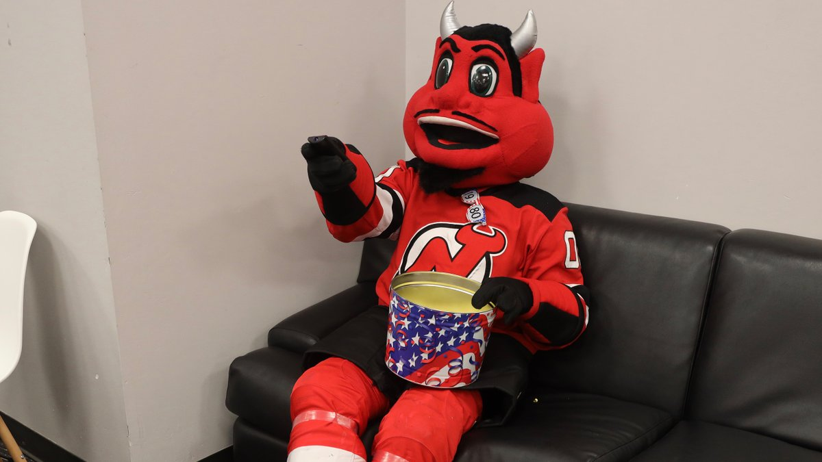 Our pal @NJDevil00 is ready.  Grab the 🍿, kick back and tune into @NHLNetwork for #NHLMovieNight to watch Miracle and celebrate the 40th anniversary of the #MiracleonIce with us!