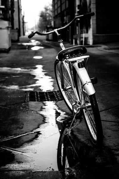 ~ Jonathan Alonso ~ #monochromephoto #bwstreet #shadowandlight #warmlight #semirealistic #sillhouette #depthoffield #photographylove #sketchbookart #abstract_buffpic.twitter.com/Ggr1xulXFY
