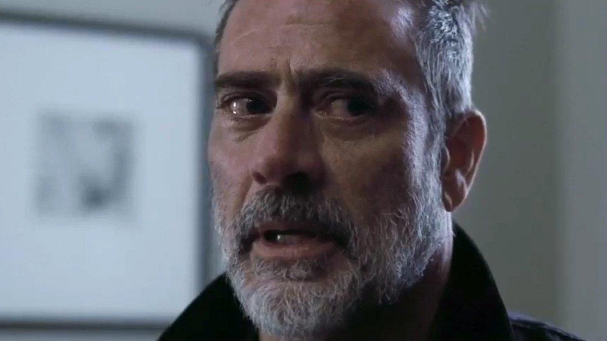 """""""Walking Dead""""-Star auf Killerjagd: Trailer zu """"The Postcard Killings"""" mit Jeffrey Dean Morgan http://dlvr.it/RQYCbLpic.twitter.com/8lxn9rEpnG"""