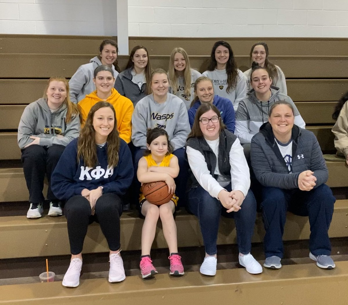 Got to watch our girl Ellee play ball this morning!!! Great defense, good passes and scored a basket!!! 💙💛🏀
