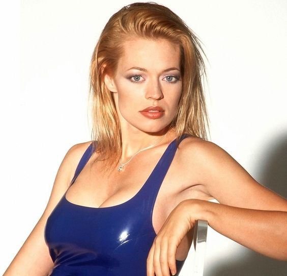 Happy Birthday to Jeri Ryan born today in 1968.