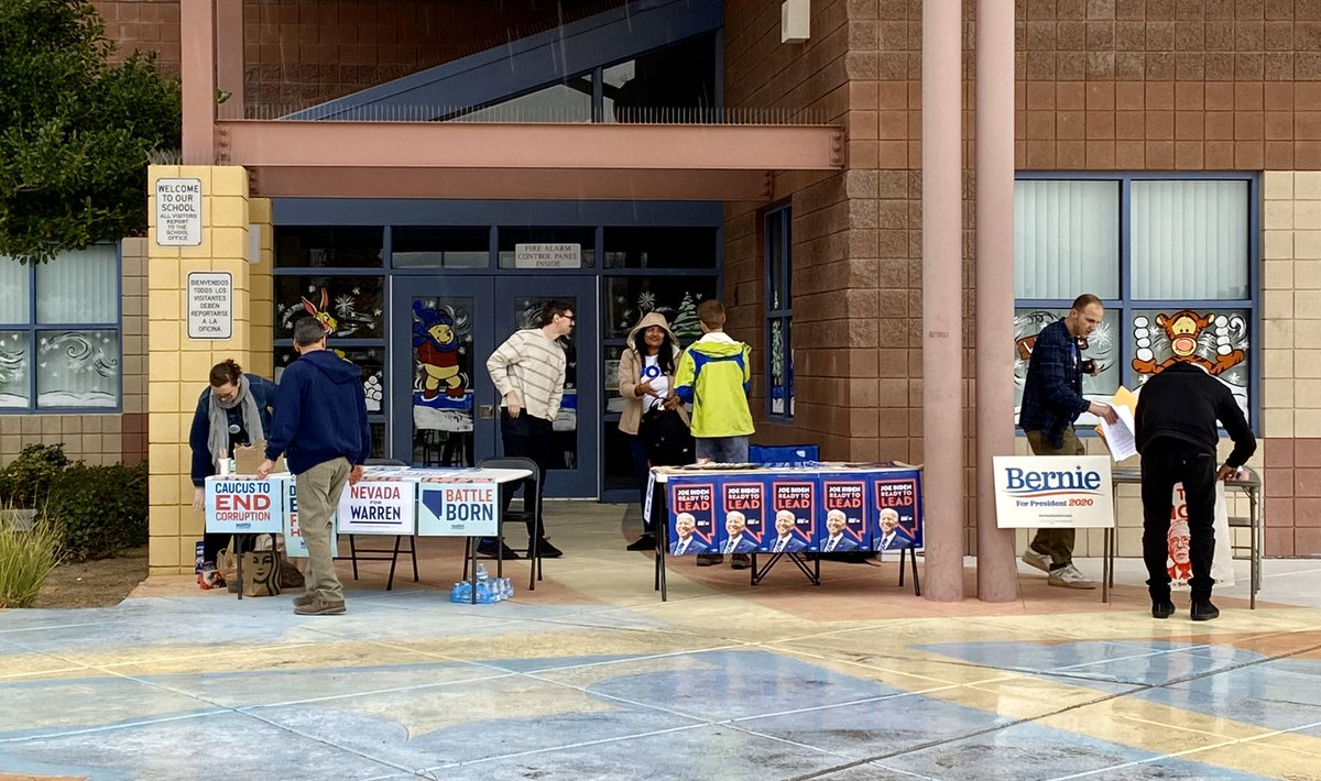 Volunteers and campaign staff outnumber voters here as the rain falls at Scherkenbach Elementary School in the far northwestern valley. A volunteer for the @ewarren campaign says he's been here since 8 a.m. #NVcaucus