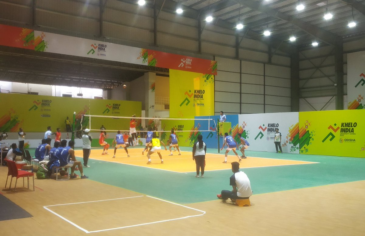test Twitter Media - MG University Kerala ultimately won the match 3 sets to nil. The power the young ones are generating in the smashes are awesome. Videos in the thread. #KIUGOdisha2020 (Near court is Kashi, far court is Kerala).2/8 https://t.co/a5ZrWLQtVS
