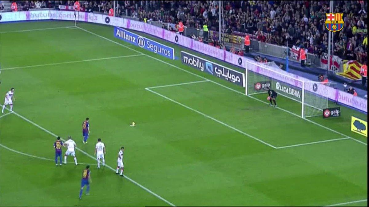 🐐 Leo #Messi al #BarçaEibar... hat-trick al minut 40! 🔥  🔙 Recordes el hat-trick més matiner de #Messi?  🗓 2011 🆚 Mallorca Tres gols als 30 minuts de joc 😱 ⚽⚽⚽