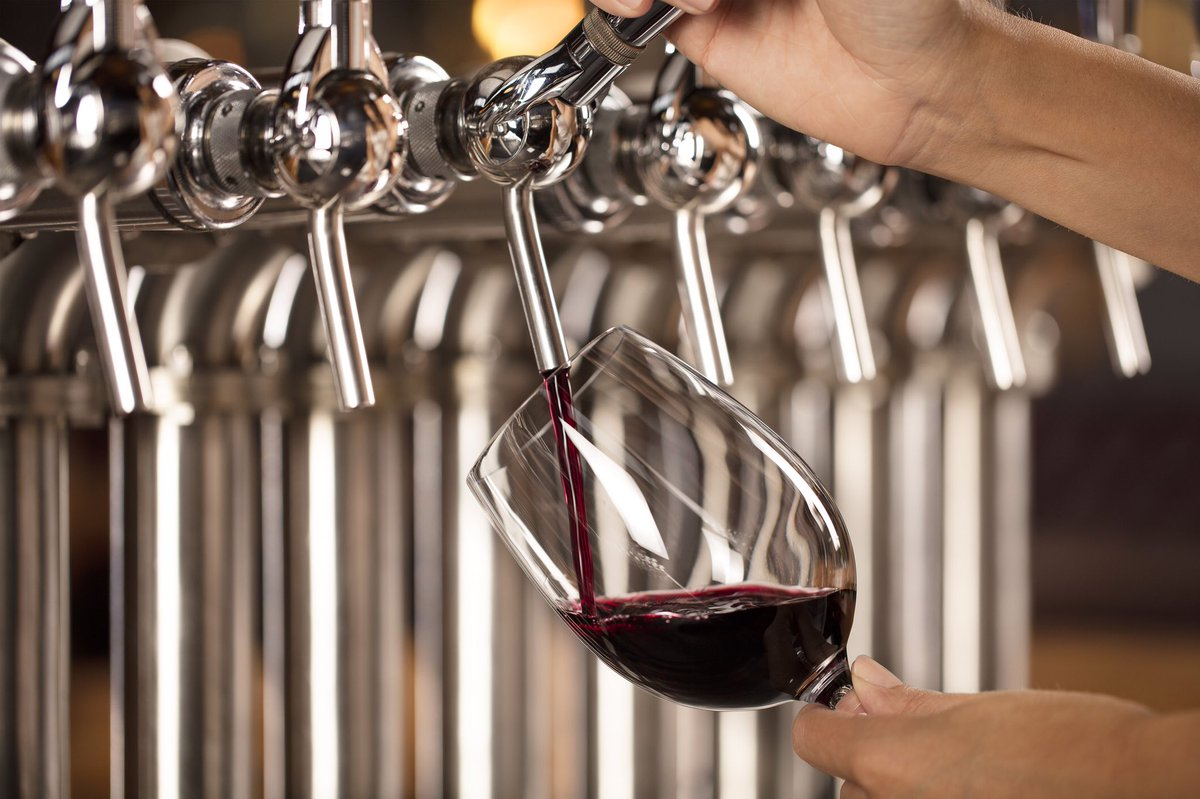 🍷PRIME TIME🍷 Join us for dinner and wine tonight at Merchants!! We've got $25 12oz Prime Rib Dinner with all the fixings and Tap Wine on Special!  #yyc #calgary #bar #drink #drinks #beer #beerme #yycfoodie #yycfood #feature #foodandwine #friends #prosecco #wine #MKW