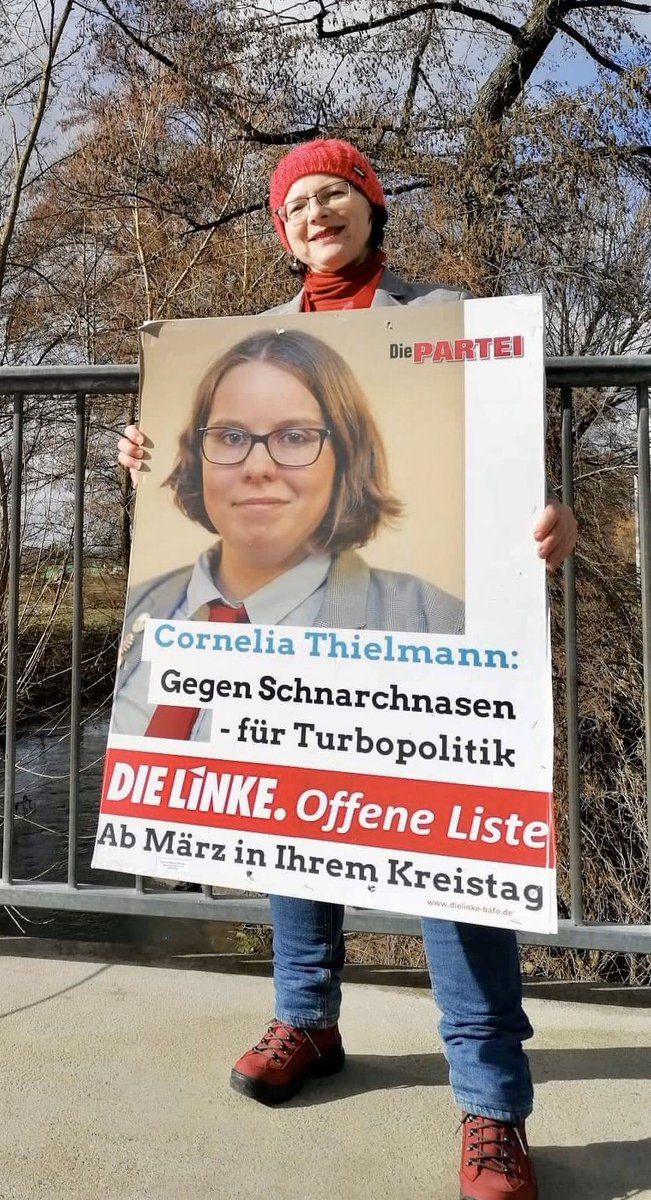 Für alle die traurig sind, dass man die sehr gute Partei @DiePARTEIBa im Landkreis Bamberg nicht wählen kann: DOCH MAN KANN! Unsere fabelhafte erste Vorständin der Partei Die PARTEI, Cornelia Thielmann, steht auf der offenen Liste der Partei DIE LINKE. zur Kreistagswahl bereit. pic.twitter.com/7QE2IiwOD3