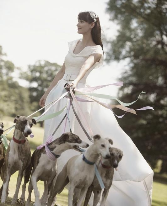 A Fine Romance Photoshoot - At Nether Winchendon House  ✧ #NetherWinchendonHouse #NetherWinchendon #BrideToBe #BrideAndGroom #DreamWedding #BuckinghamshireWeddings #BucksWeddings #WeddingDay #WeddingDress #SummerWeddings #WeddingInspiration #WeddingVenues #InstaWeddingpic.twitter.com/6FBKfDwbzN