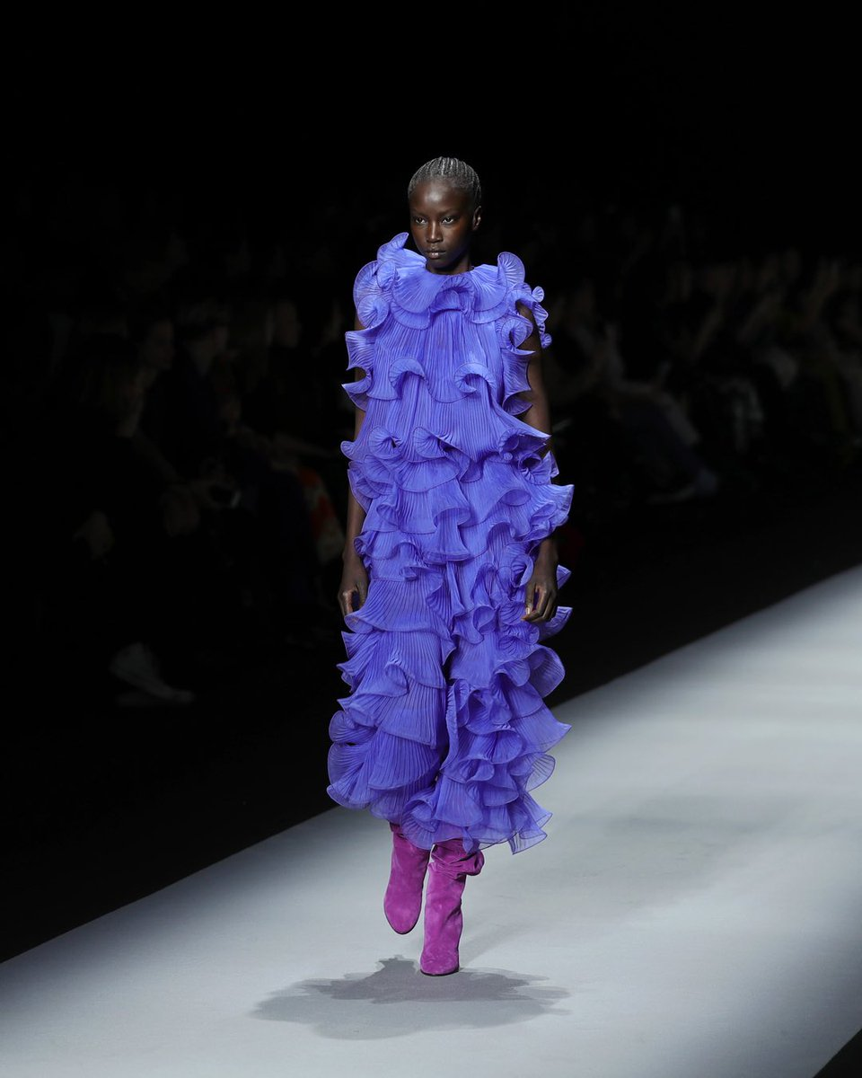 These ruffles I will certainly wear. @AlbertaFerretti's #MFW runway show.  Photos Credit @GettyImagespic.twitter.com/uyTYylgJgU