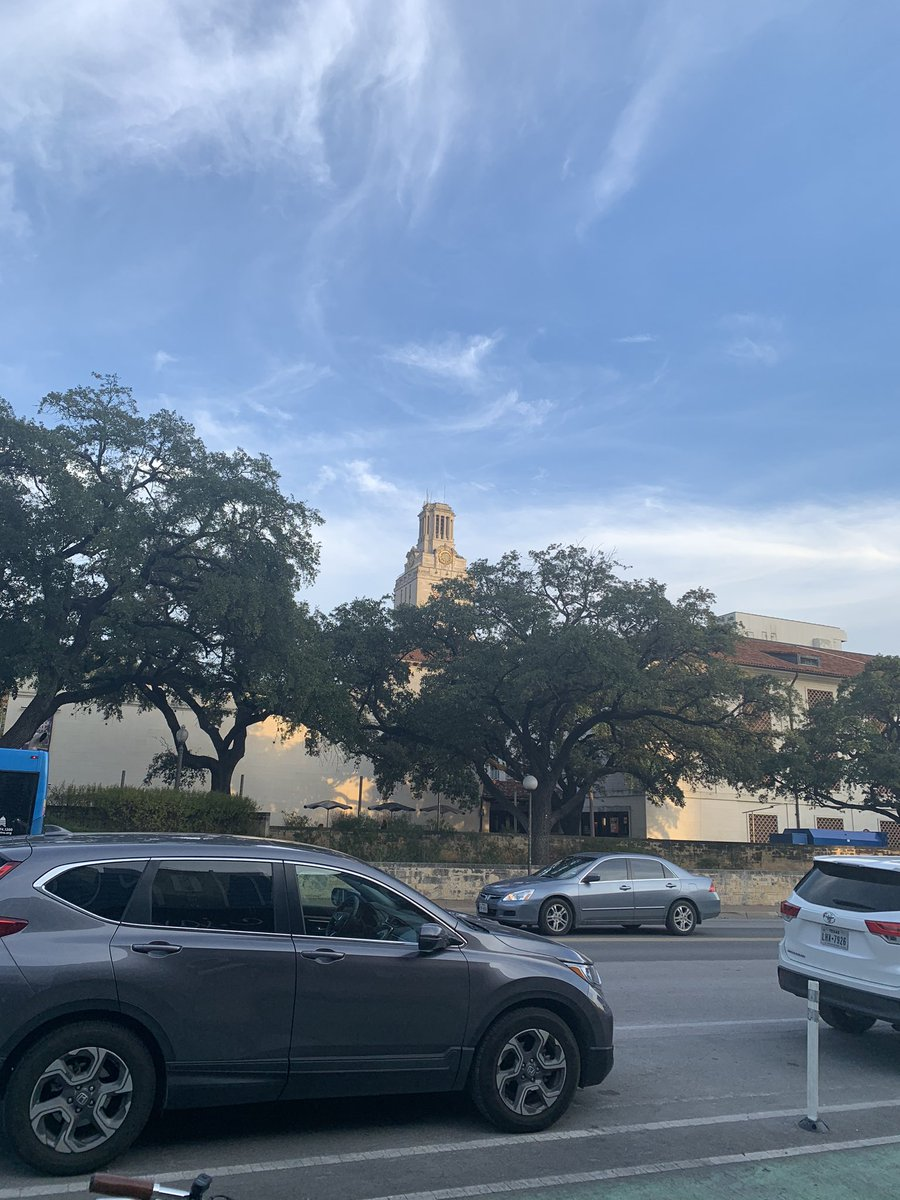 Hello #Austin #UniversityofTexas #AustinTexas<br>http://pic.twitter.com/fE25PZhZNt