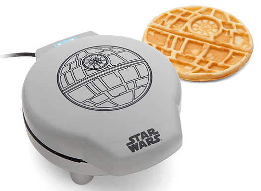 Death Star Waffle Maker. #gadgets #newtechnology http://bit.ly/2ofSHH0pic.twitter.com/lDbChJenrW