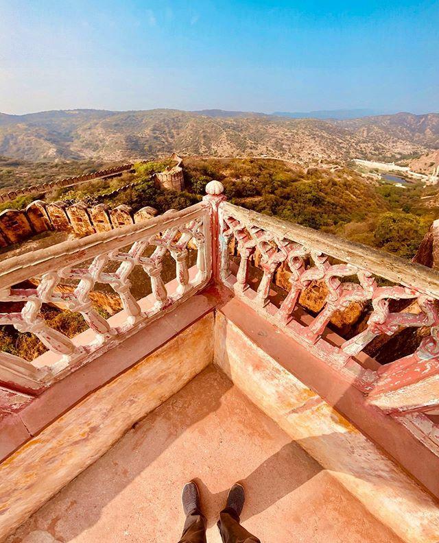 Vertorama with the Ultra-Wide Lens at Jaigarh Fort, Jaipur . . . . . . . . . #ShotOniPhone #iPhone11Pro #NiTiSHmurthy #NiTiSHxJaipur #iPhonegraphy #ITookAPicture #ITAP #iPhonePhotography #Apple #Vertorama #VerticlePanorama #Panorama #JaigarhFort #TouchRe… http://bit.ly/2T5iIbcpic.twitter.com/XmwaadZddZ