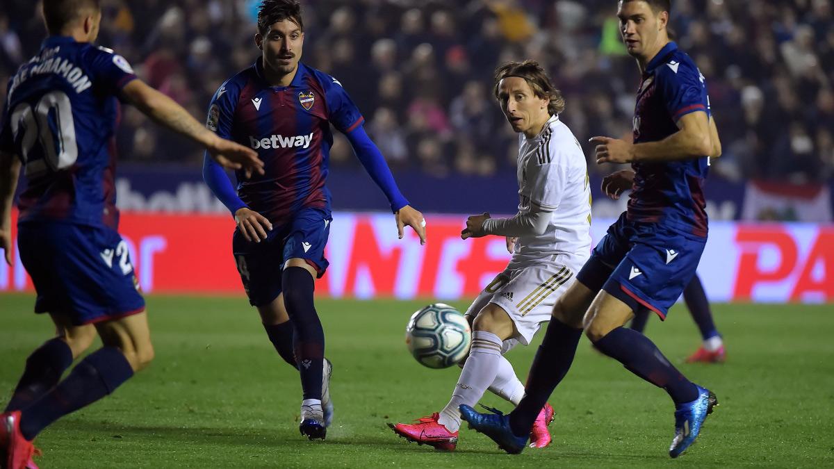 ريال مدريد يقع في الفخ ويسقط أمام ليفانتي قبل مواجهة مانشستر سيتي بدوري الأبطال