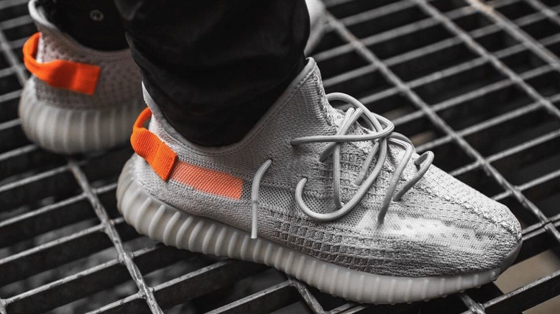 "The YEEZY BOOST 350 V2 ""Tail Light"" has sold out accross Europe and Russia. Looks like it's the most popular color from the pack, now available on @StockX 💥"