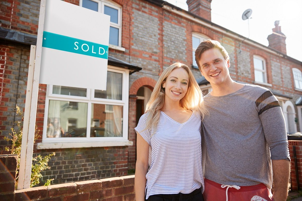 A first time buyer's guide to finding your new home courtesy of our friends @OnTheMarketCom https://buff.ly/2P9YBaA    #property #newhome #firsthome #FirstTimeBuyers #FridayMotivation #FridayThoughts #Cheltenham #Gloucestershire #estateagents #PeterBallAndCopic.twitter.com/O3N7tfooka