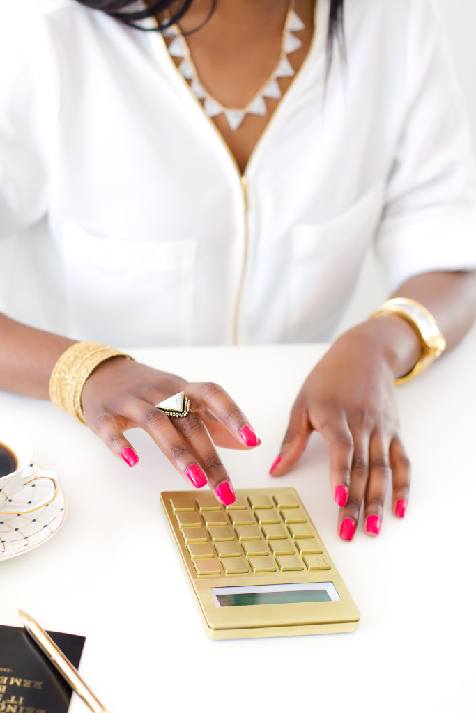 Your not giving up control because control was already lost when we fall deep into a financial mess. #money #moneytalks  #girlboss #financialfreedom #financialpeaceuniversity #finance  http://bit.ly/2IzHoSfpic.twitter.com/VZ5bVfqGza