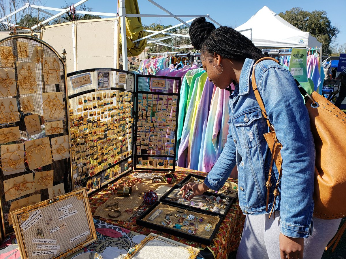 Unique finds at the #FAMUharambee Festival.pic.twitter.com/AT02l1N2Yw