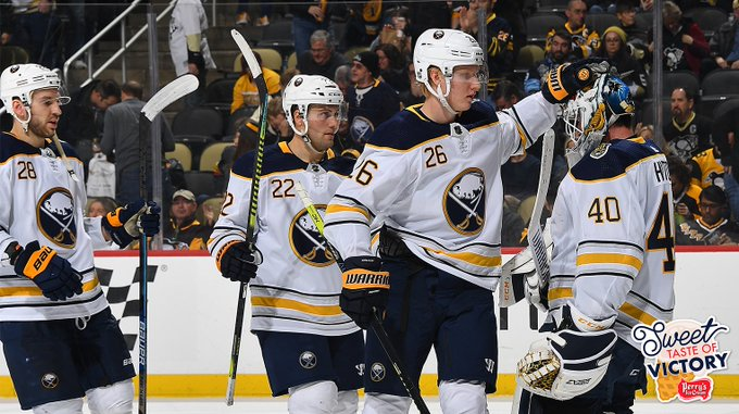 Sabres roll to 5-2 win over Penguins