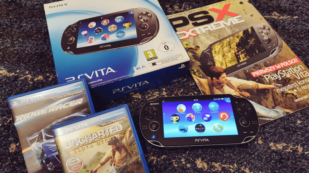8 years ago on 22nd February 2012, I bought this set, the PSVita with two games (Ridge Racer and Uncharted: Golden Abyss) alongside with my favorite Polish gaming magazine PSX Extreme, full of reviews and console test. The #PSVita quickly becomes my favorite console. #VitaIsland <br>http://pic.twitter.com/ZCIvmL9zwL