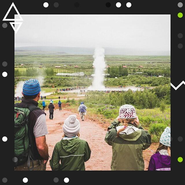 """Islandia    Cały reportaż """"Bagaż"""" znajdziesz w wyróżnionych relacjach.    – Rozwój turystyki zmienił wiele rzeczy w naszej gospodarce – przyznaje Borsteinn Borkelsson, analityk ryzyka w banku. – Sektor usług turystycznych jest teraz więk… http://bit.ly/2STzQSppic.twitter.com/1W9jlXWFJ5"""