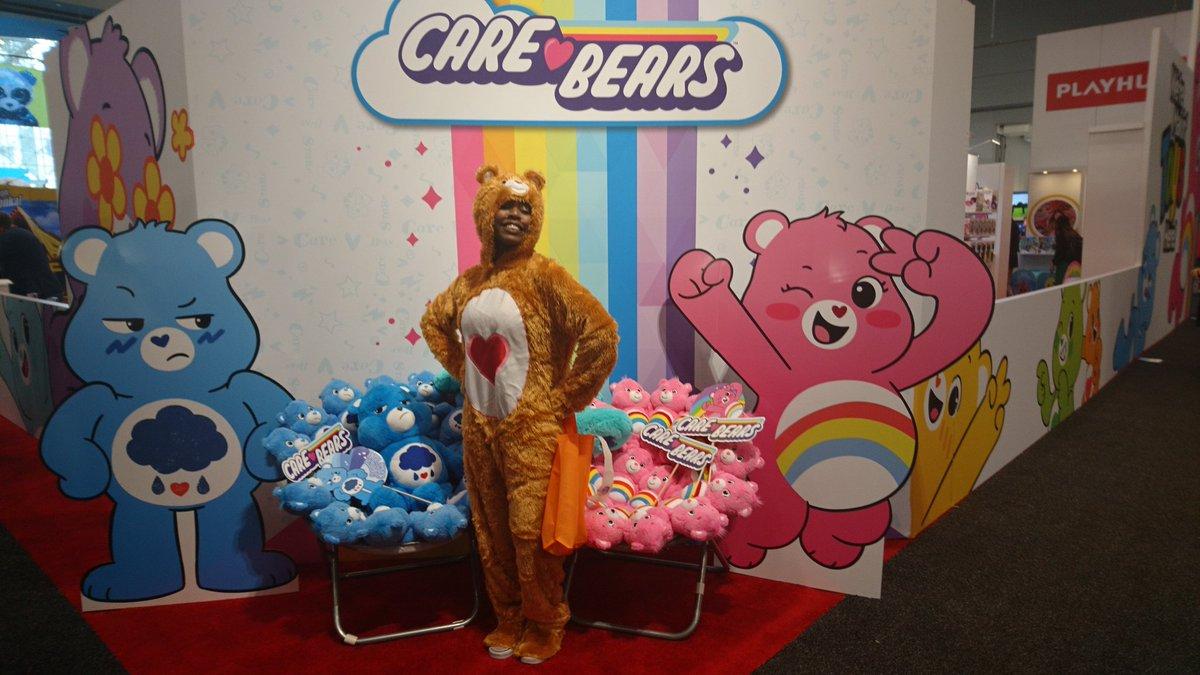 Die Glücksbärchis sind los! #tfny #ToyFair2020 #carebearspic.twitter.com/9siRgRrxmL