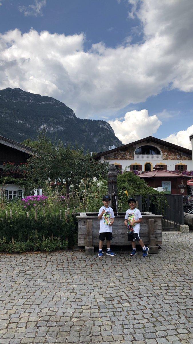 Here's one with my fave two  #Garmisch #GarmischePartenkirchen #Germany #Summer #Khalid #Mishary #CoockieMonster #Elmo https://twitter.com/arabqoute/status/1231330991245053953…pic.twitter.com/KJndTBfUDn