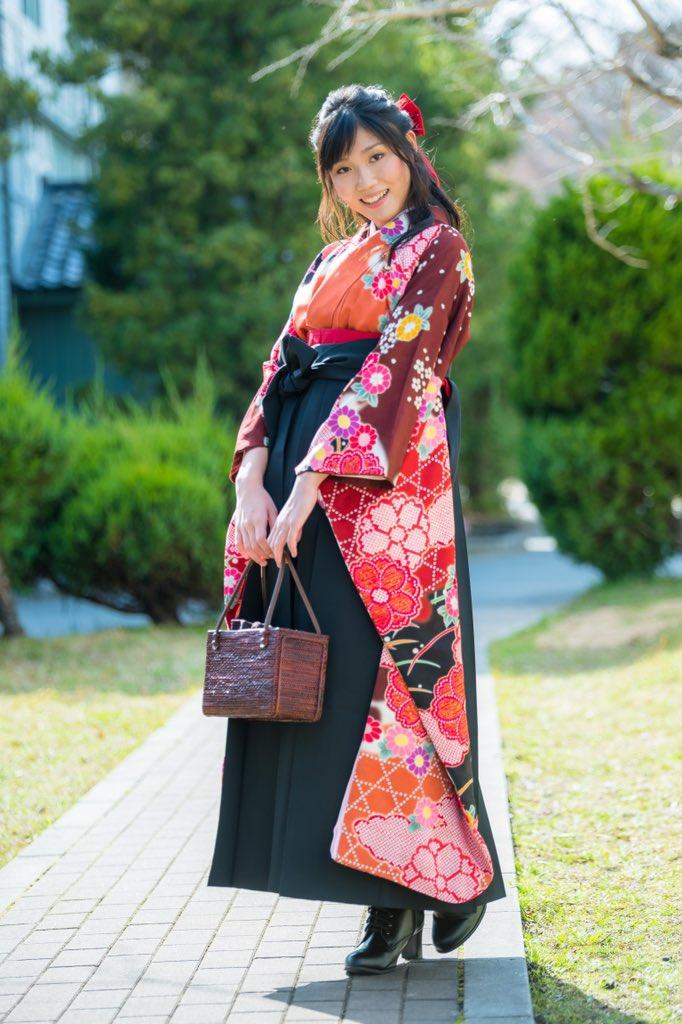 きみおさんと写真を撮らないか。  卒業シーズンです。最後の制服や袴姿を記念に残しませんか? ご相談はお気軽に。  #撮影依頼受付中 #被写体募集中  #ポートレート #写真 #写真好きな人と繋がりたい #カメラ好きな人と繋がりたい  #portrait #photography #coregraphy #神戸 #関西 #大阪 #京都 #奈良