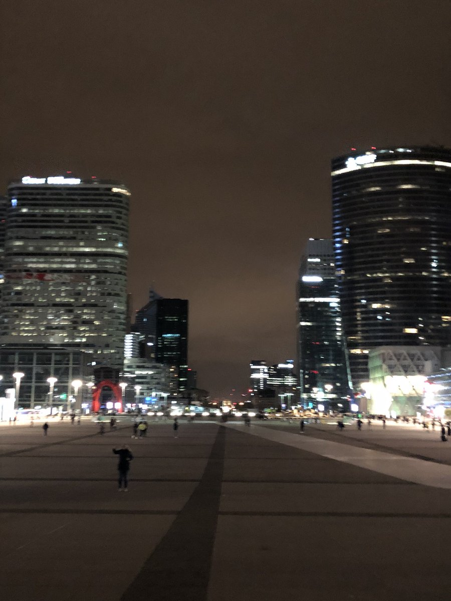 Welcome to @ParisLaDefense , the 1st business district in Europe #parisien #entrepreneur #entrepreneurlife #parisladefense #business #parisjetaime #paris #ladefense #businessdistrict #finance #entrepreneuriat #innovation #lavieengrand #businessplace #coeurdefense #boursepic.twitter.com/TnAfNmglyP