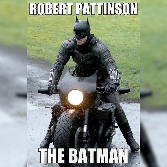 2021-06-25  The Batman ••• #Batman #DC #DCComics #DCEU #DCExtendedUniverse #MattReeves #RobertPattinson #TheBatman https://ift.tt/3bZ9Tbtpic.twitter.com/heW1V5P17L