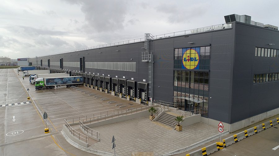 Drove past a large warehouse the size of a Lidl warehouse today pic.twitter.com/8Jts3Zssdw