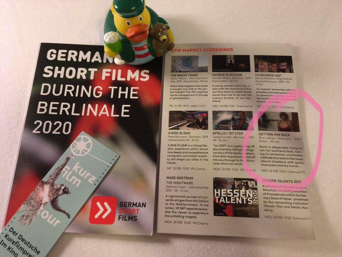 """Kinder, mit 2 Stunden Schlaf hangelt man sich auch nur gerade so durch Tag 2 der #Berlinale. Verdi-Frühstück, Bremer Kaffeetasse u EFM Markt. Dort sehr wertige Prospekte """"German Short Films During the Berlinale 2020"""" mitgenommen. Unser Film top platziert.  Freu mich SEHR. pic.twitter.com/ZRpR7oLHid"""