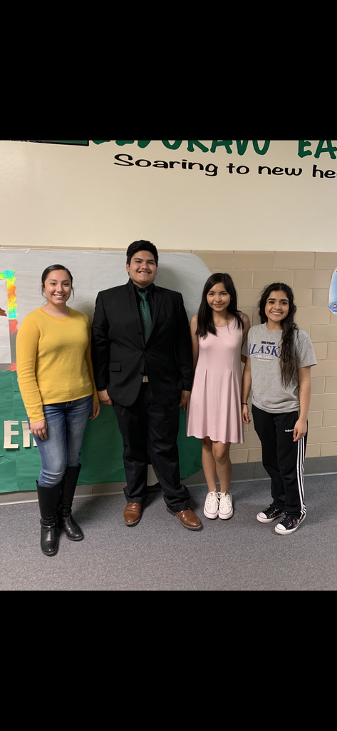 Prose and Poetry competed in the UIL Invitational Meet in Eldorado this morning. All speakers participated in the finals. Priscila Cardenas placed 3rd in poetry and Leslie Perez placed 6th. Congratulations to the prose and poetry kids for a successful day! pic.twitter.com/TemHoIvrMM