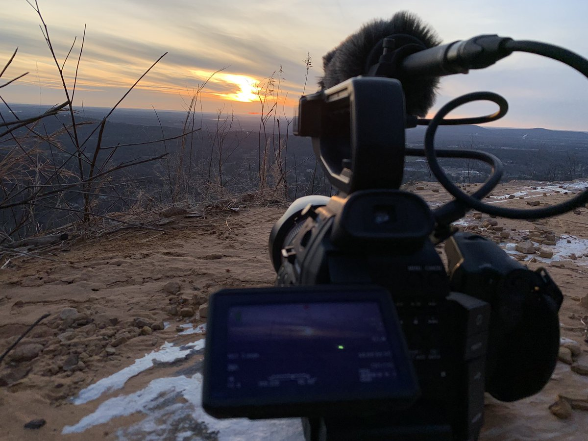 First sunset time lapse of 2020 with the C100 on top of #Huntsville big #sunset spot! Looking forward to seeing how the footage turns out! #hiking #outdoors #film #cinemapic.twitter.com/GNrcSUp4Eg