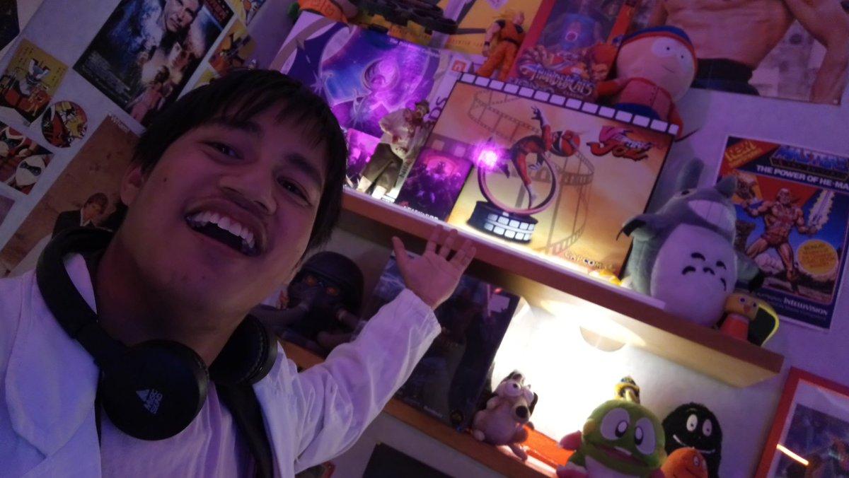 That magical moment in which in a video-game pub you find the beautiful Figure PREMIUM EDITION by Viewtiful Joe (@ViewtifulClub) ! #JINKOSCOSPLAY4EVER #viewtifuljoe #henshin #figureedition #capcom #premiumedition #viewtifuljoecosplay #gamecube #nintendo #kamenrider #movieland pic.twitter.com/JBZnlYraYE