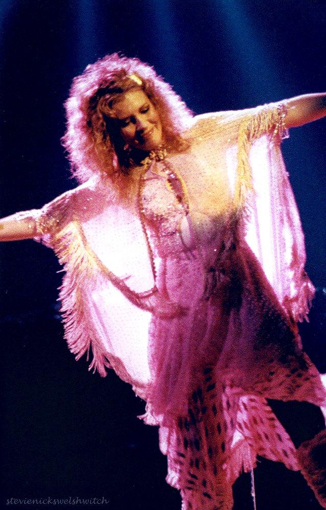 Fly #StevieNicks #FleetwoodMac #beautiful #vintage #70s #80s #follow #ChristineMcVie #Rumours #Tusk #Mirage #WildHeart #BellaDonna #Iconic #StevieNicksEdge #Rock #Vintage #music #classic #timeless #iconic #singer