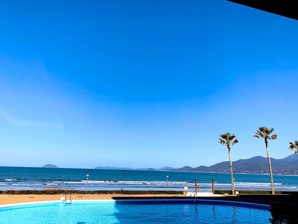 いい天気で海がめっちゃ綺麗! まめぎゆ&炭治郎かとうらぶの指の上達を連れてくれば良かったーpic.twitter.com/xUaqAJdd8U