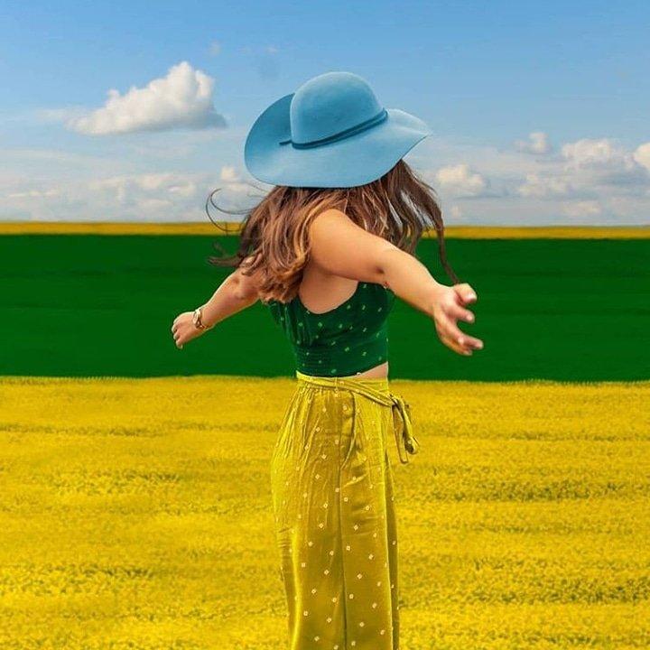 Baharı bekleyen masum köylü 😀 GÜNAYDINNN 😎 #spring #nature #dreamer #green #yellow #sky #colors #light #girl #thinkpositive #funny #smile #fun #travel #güngüzelbaşlasın