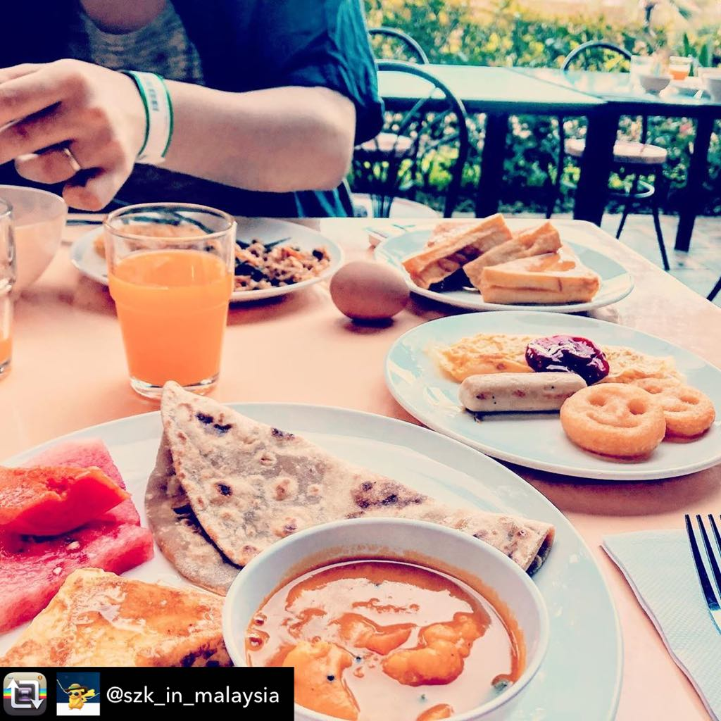 YUM! What's your breakfast scene like?  At here, we all do breakfast with a view like how @szk_in_malaysia does.  #SunwayLostWorldOfTambun #AwesomeMoments #MyMalaysia #TrulyMalaysian #LostWorldGardenTerrace #Travel #Malaysia  #Perak #Ipoh