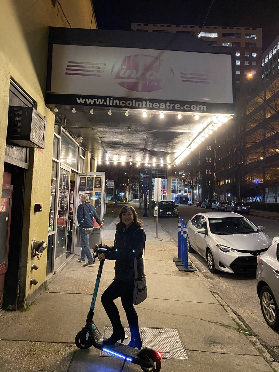@KellyTeterMac Kelly Ann has arrived by scooter to the Lincoln Theater for the @smerconish advance!  Talking Heads tribute band tonight will be the sound check.  @TC34  We'll make sure everything is A-Okay.pic.twitter.com/1glfM8yBjb