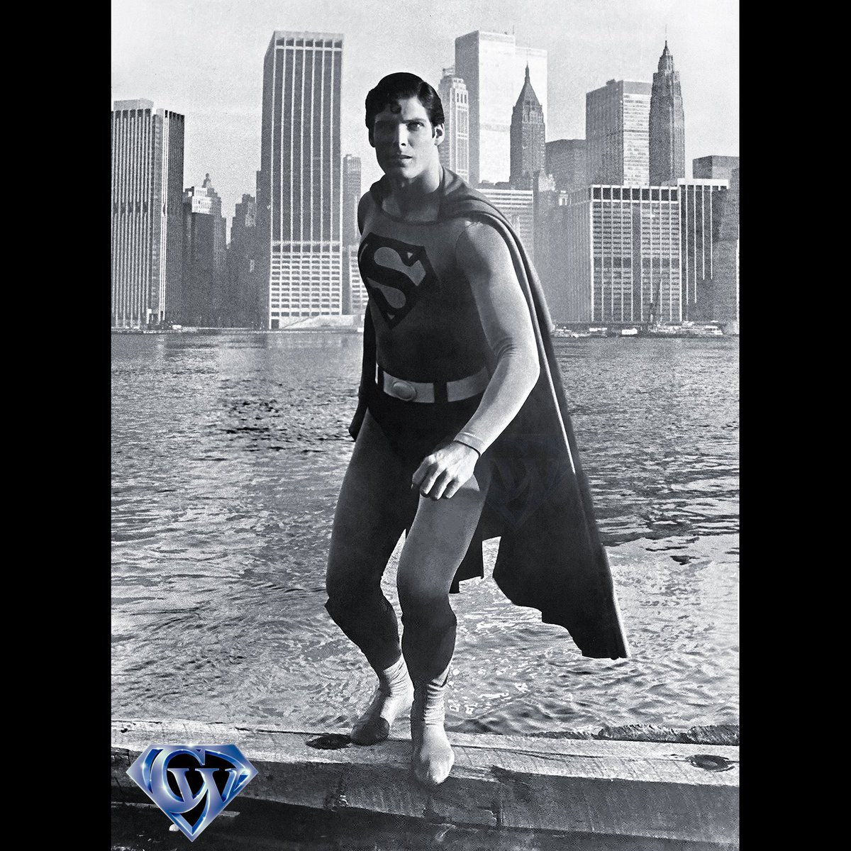 Superman prepares to Take Flight in Metropolis!  #christopherreeve #supermanthemovie #superman #supermanmovie #superman1978 #richarddonner #brooklynparkpier #richarddonnersuperman #comicbooks #superhero #dccinematicuniverse #dccomics #metropolis #warnerbrosstudios #manofsteelpic.twitter.com/Jd94IHMy1M