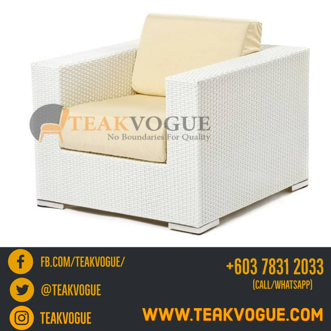 A single-seat sofa, part of Moher sofa. Using Viro strap wicker (flat), it perfectly woven in durable aluminium frames. http://teakvogue.com  #TeakvogueMalaysia #Teakvogue #synthetic #wicker #sofa #Malaysia #outdoor #furniture #design #idea #interiordesign pic.twitter.com/tHMAEhzdC4