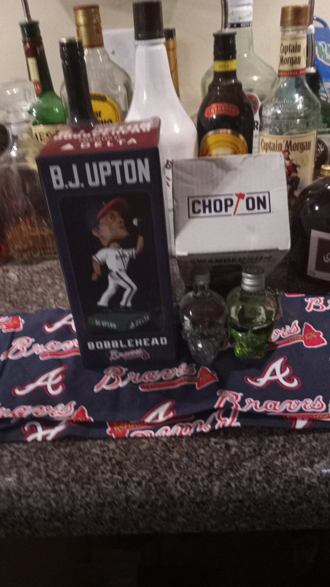 Double Bobblehead giveaway, BJ and mystery...US residents only, follow and retweet by 2/29 8 PM.. Good luck and #ChopOn #FortheA