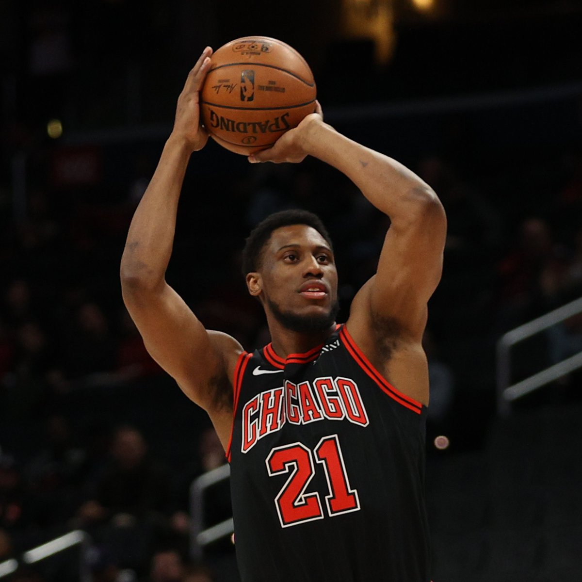 8 PTS, 4 REB, 2 BLK, 4 STL, 32.8 FPTS  Thaddeus Young is doing it all for the Bulls in the 1st half!