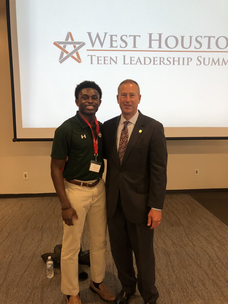 Thanks for coming out, Maurice! It was a pleasure meeting you. #wearesj @StrakeJesuit