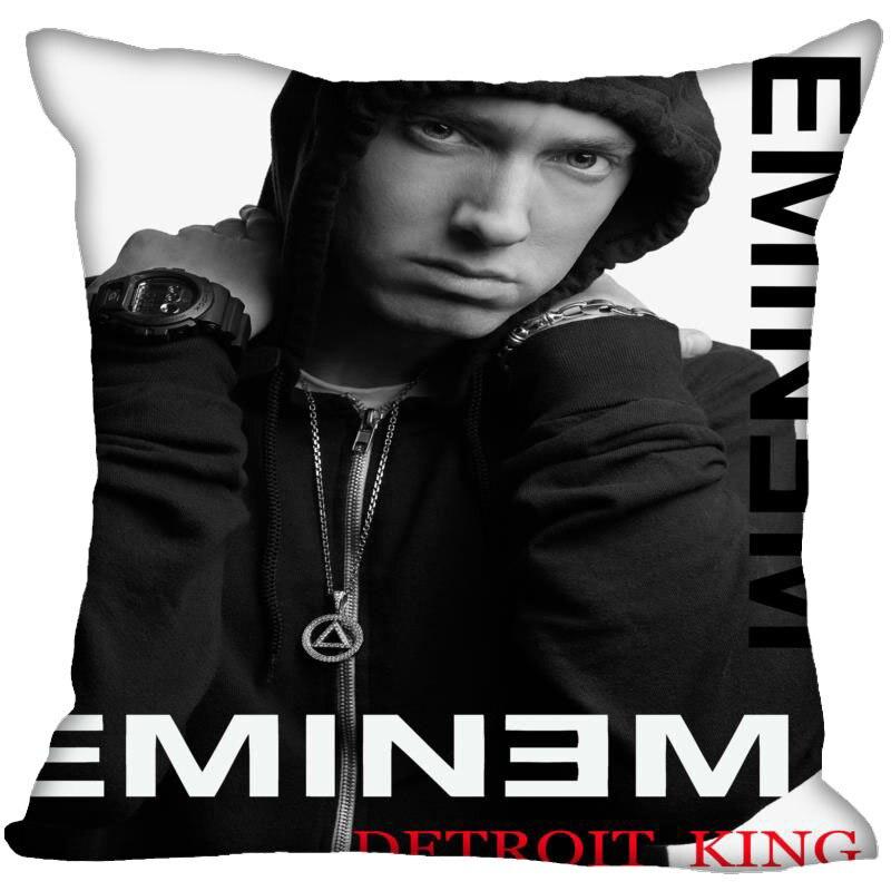 NEW Eminem Merch with FREE Worldwide Shipping: http://eminem-merch.com . . #eminem #hiphop #music #rap #stan #drdre #kamikaze #revival #8mile #slimshady #rapgod #eminemfan pic.twitter.com/xfYZol0Pkt
