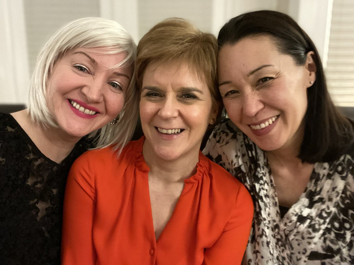 Lovely night with 2 great pals (and our long suffering partners). Don't see them often enough (mainly my fault)...but when we do catch up, the years melt away and we're right back at @UofGlasgow Law School. Laughing and reminiscing with old pals is definitely good for the soul.