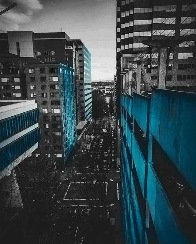 Repost  @jinwrightphotos ・・・ Street of Blue . . . . . . . . . . #ageoftones #portlandor #oregon #streetleaks #pnw_shooters #seattle #acreativevisual #ourvisualvibes #citygrammers #theimaged #way2ill #all2epic #killaframez #shotzdelight #pnw #shotsde… https://ift.tt/2HPfaV4pic.twitter.com/xGD85NA5FR