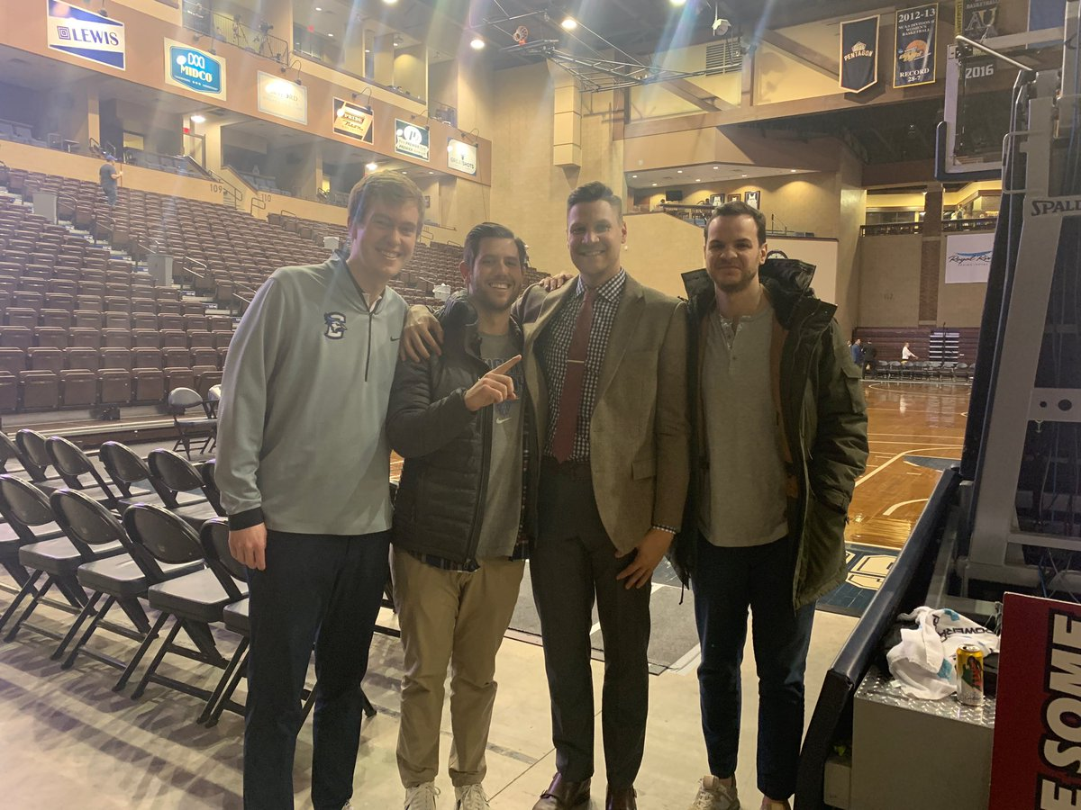 RT @ross_ferrarini: Good times watching Coach Gibbs in Sioux Falls tonight @BluejayMBB https://t.co/2rFrB2vo9P