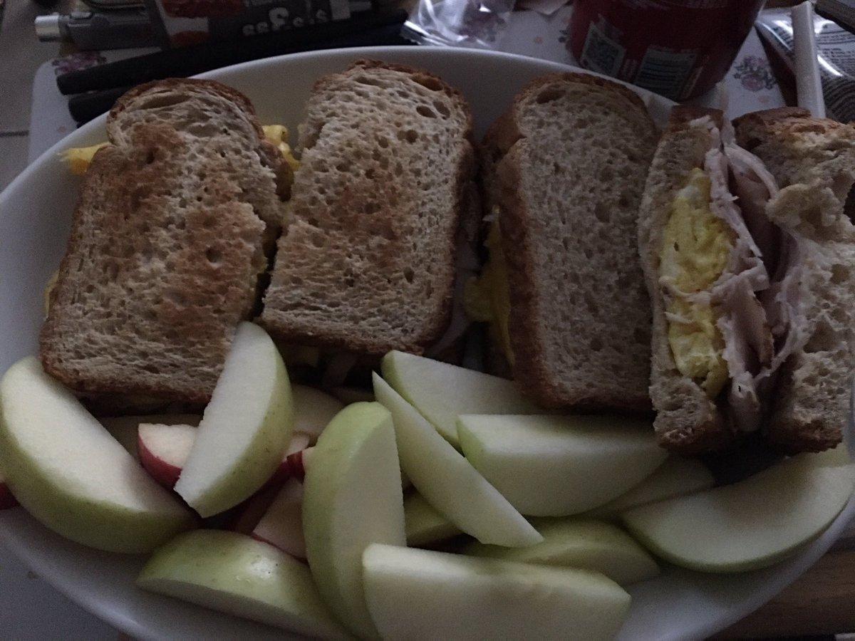 Dinner 🍽 I made cook it.  #sandwish #apple #food #drinks