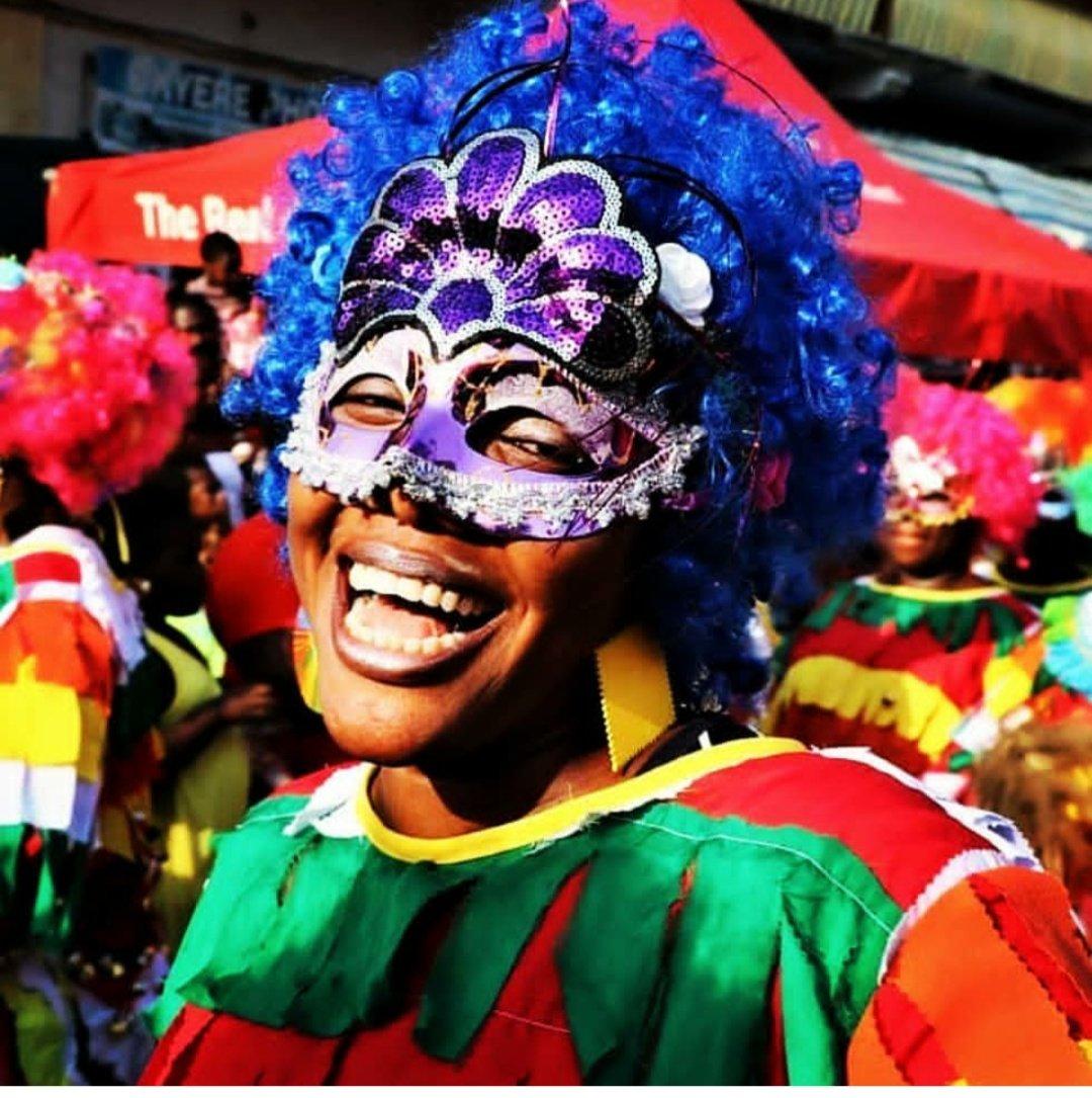 #Culture Rio a son carnaval, le Ghana aussi ❤ Bienvenue à Takoradi 🌴 📸 @TaadiMasquera